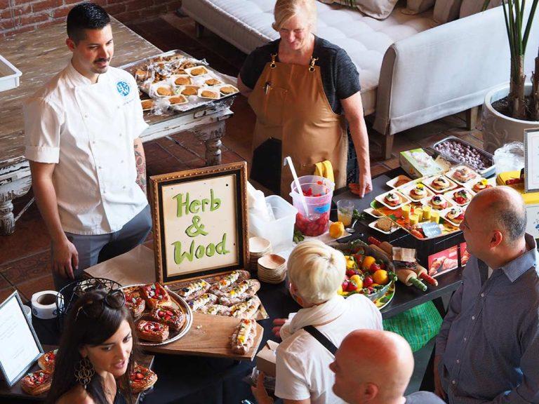 friendly-feast-bake-sale-2018-crowd-shot